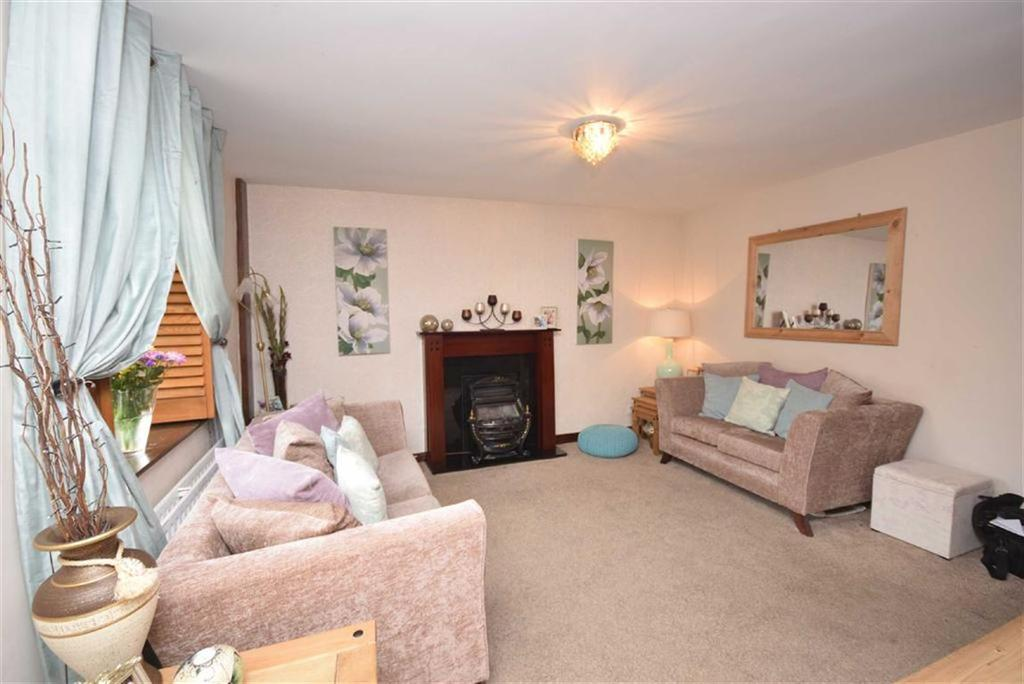2 Bedrooms Cottage House for sale in Gisburn Road, Barrowford, Lancashire