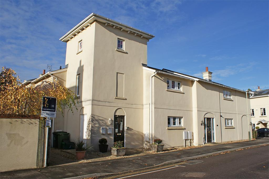 3 Bedrooms Flat for sale in The Park, Cheltenham