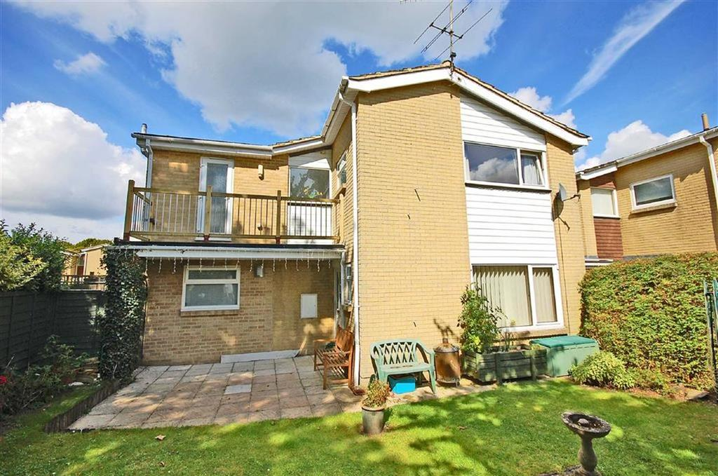 4 Bedrooms Link Detached House for sale in Buckles Close, Charlton Kings, Cheltenham, GL53