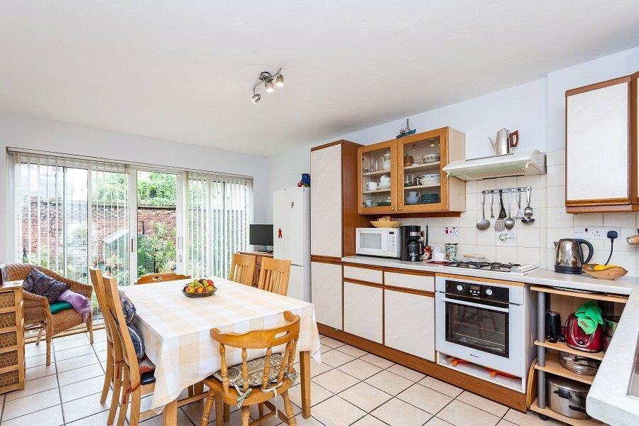 3 Bedrooms House for sale in Bayham Street, Euston, London, NW1