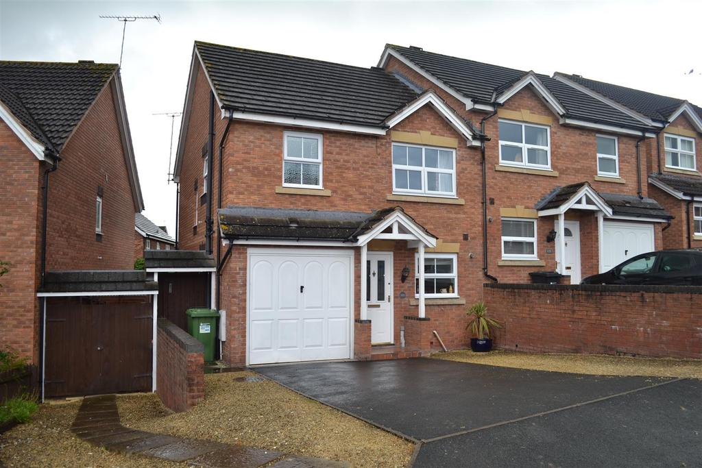 3 Bedrooms Semi Detached House for sale in Godiva Road, Leominster