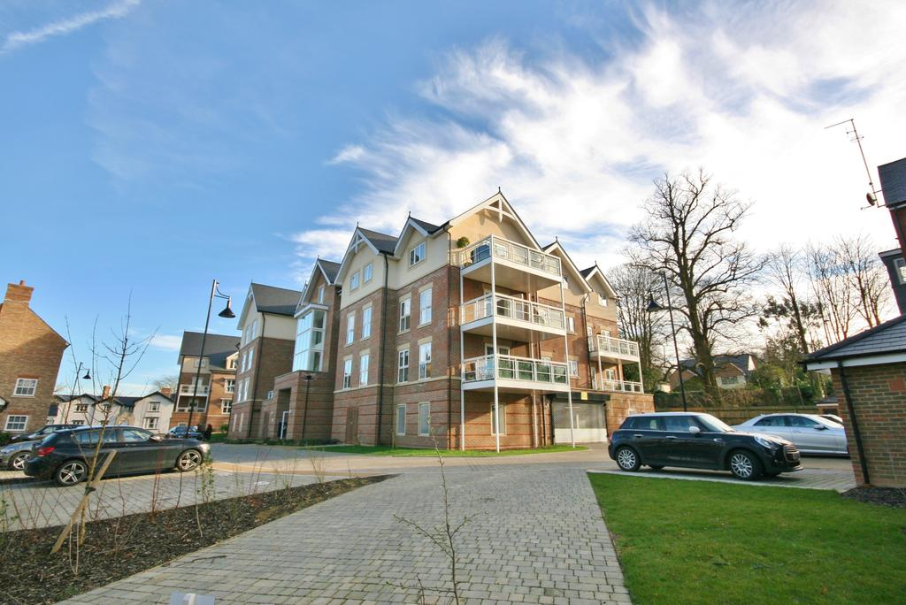 2 Bedrooms Apartment Flat for sale in Le Marchant, Townsend Gate, Berkhamsted HP4