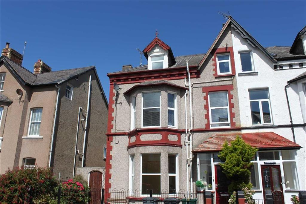3 Bedrooms Apartment Flat for sale in Caroline Road, Llandudno, Conwy