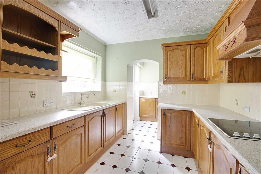 3 Bedrooms Semi Detached Bungalow for sale in Bamburgh Avenue, Shields Shields, Tyne Wear