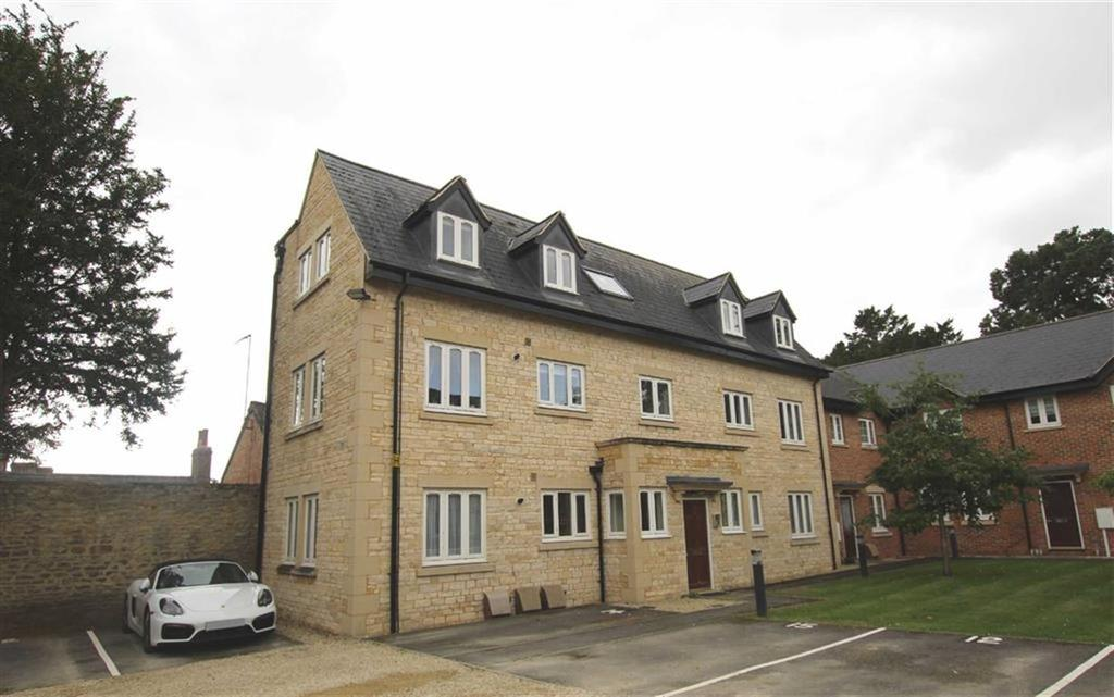 2 Bedrooms Apartment Flat for sale in 16, Brackley House, Brackley