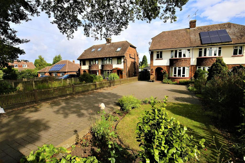 4 Bedrooms Semi Detached House for sale in Coxheath, Maidstone