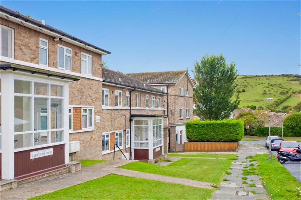 2 Bedrooms Flat for sale in Waldegrave Court, Westfield Avenue, Saltdean, East Sussex