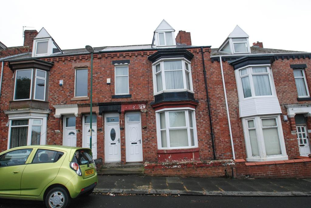 3 Bedrooms Maisonette Flat for sale in Hunters Terrace, South Shields