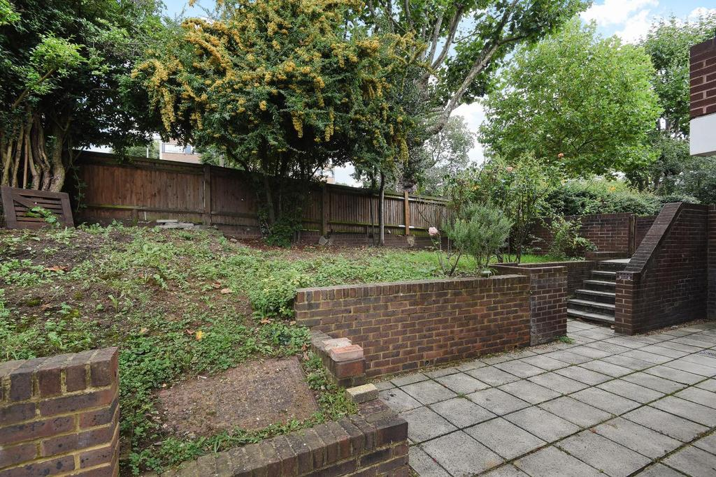 1 Bedroom Flat for sale in Beaumont Road, Southfields