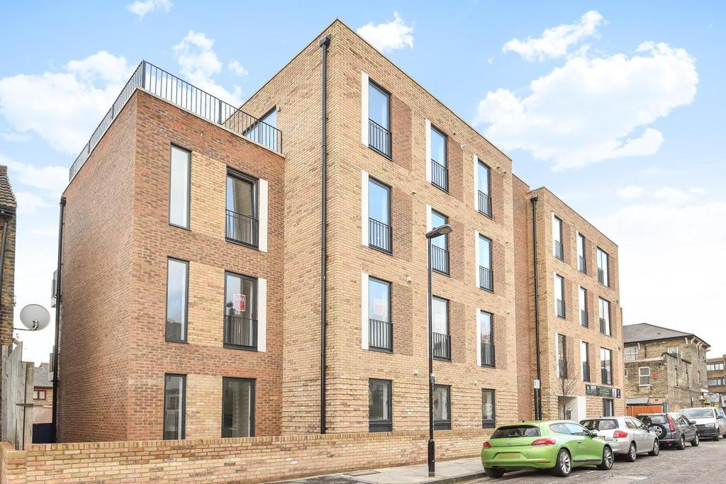 3 Bedrooms Flat for sale in Woodside Apartments, Canning Crescent, Wood Green