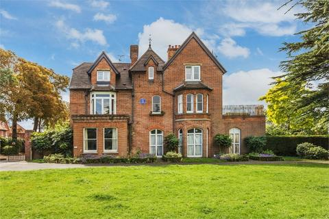 3 bedroom flat for sale - River House, Manor Road, WALTON-ON-THAMES, Surrey