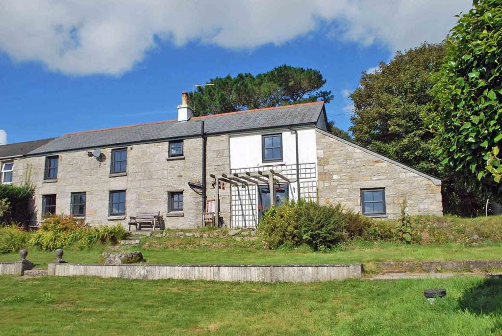 3 Bedrooms Semi Detached House for sale in Trenear, Nr. Helston, Cornwall, TR13