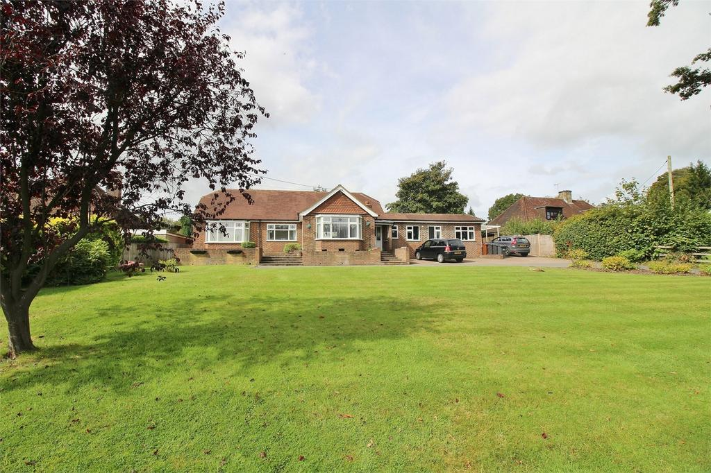 5 Bedrooms Detached Bungalow for sale in Straight Half Mile, Maresfield, East Sussex