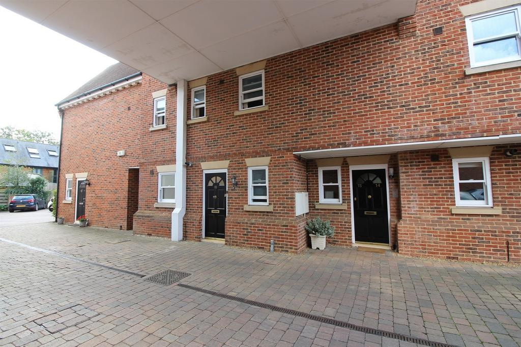 2 Bedrooms Maisonette Flat for sale in Bancroft, Hitchin, Hertfordshire