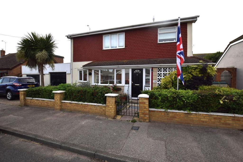 4 Bedrooms Detached House for sale in Seaview Road, Canvey Island