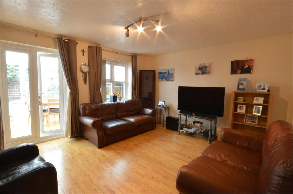 3 Bedrooms Semi Detached House for sale in Riverdale Road, Erith