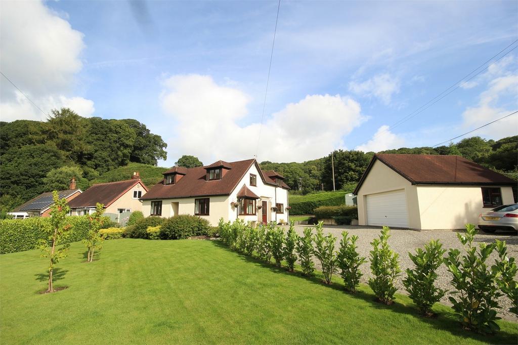 3 Bedrooms Detached House for sale in Denbigh Road, Nannerch, Flintshire