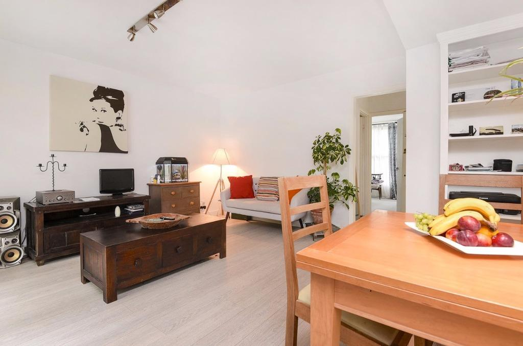 1 Bedroom Flat for sale in Beaconsfield Villas Brighton East Sussex BN1