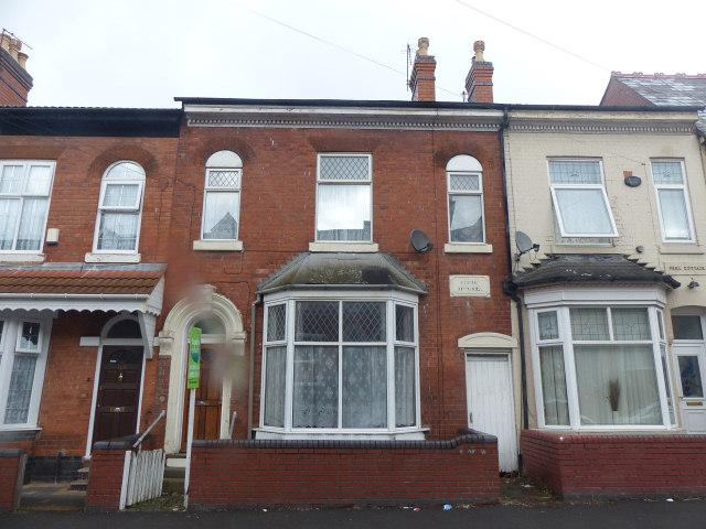 4 Bedrooms Terraced House for sale in Albert Road,Aston,Birimingham