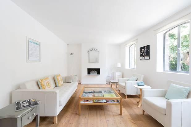 1 Bedroom House for sale in Powis Mews, London, W11