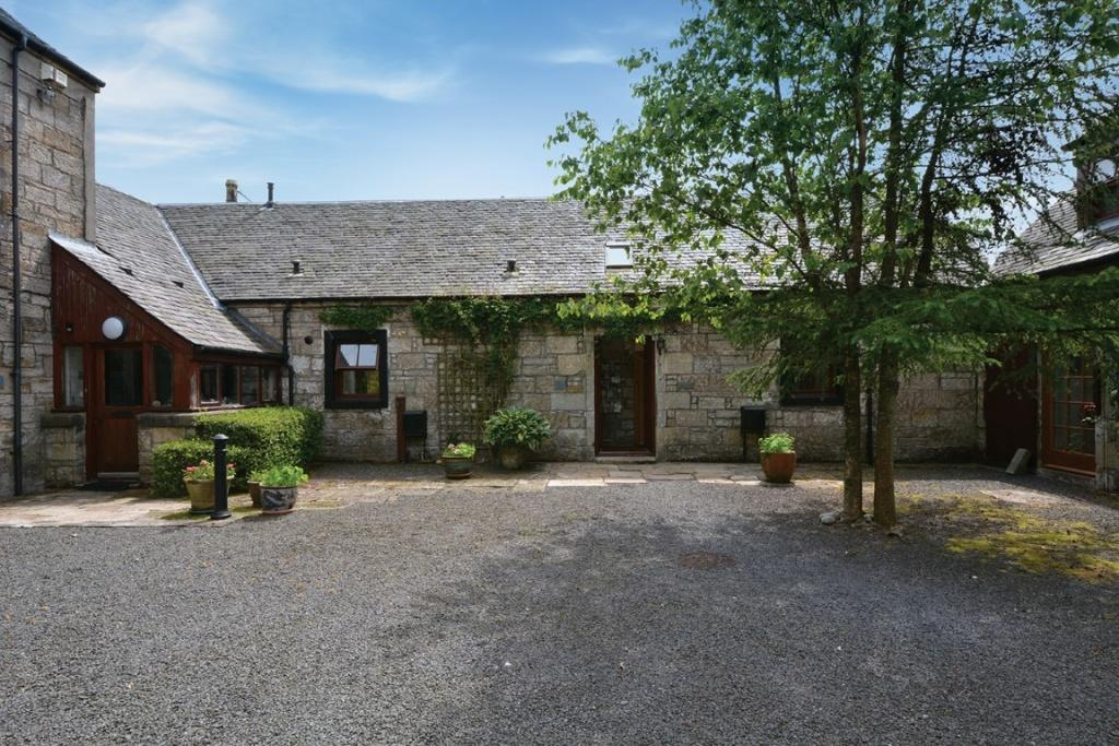 3 Bedrooms Terraced House for sale in The Old Byre East Lochhead, Kilbirnie Road, Lochwinnoch, PA12 4DX