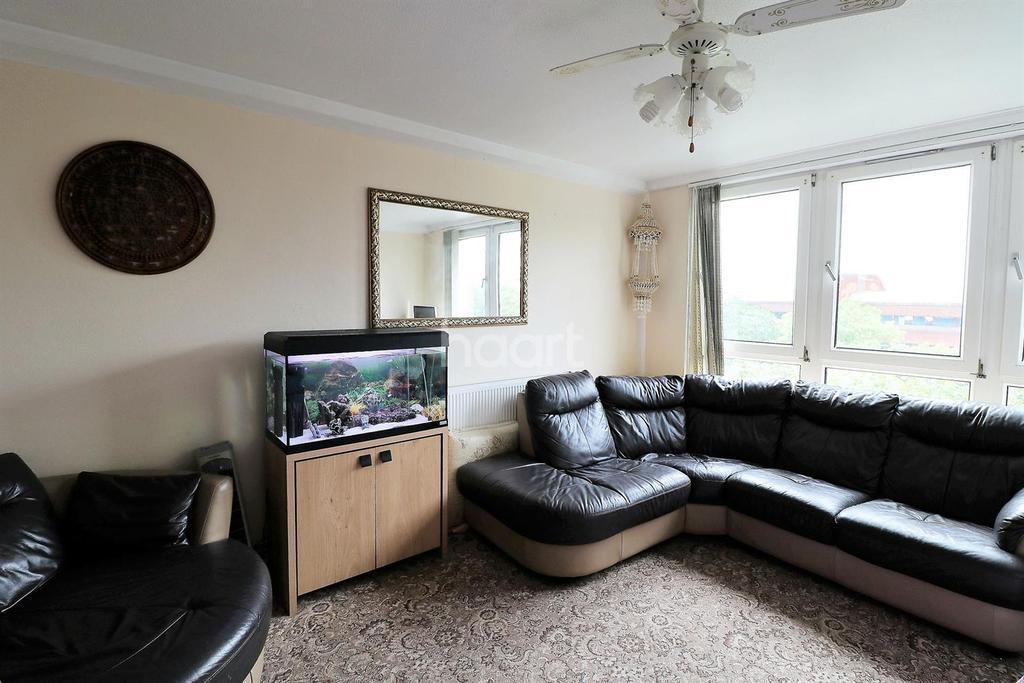 3 Bedrooms Flat for sale in St Matthew's Road, Brixton, SW2