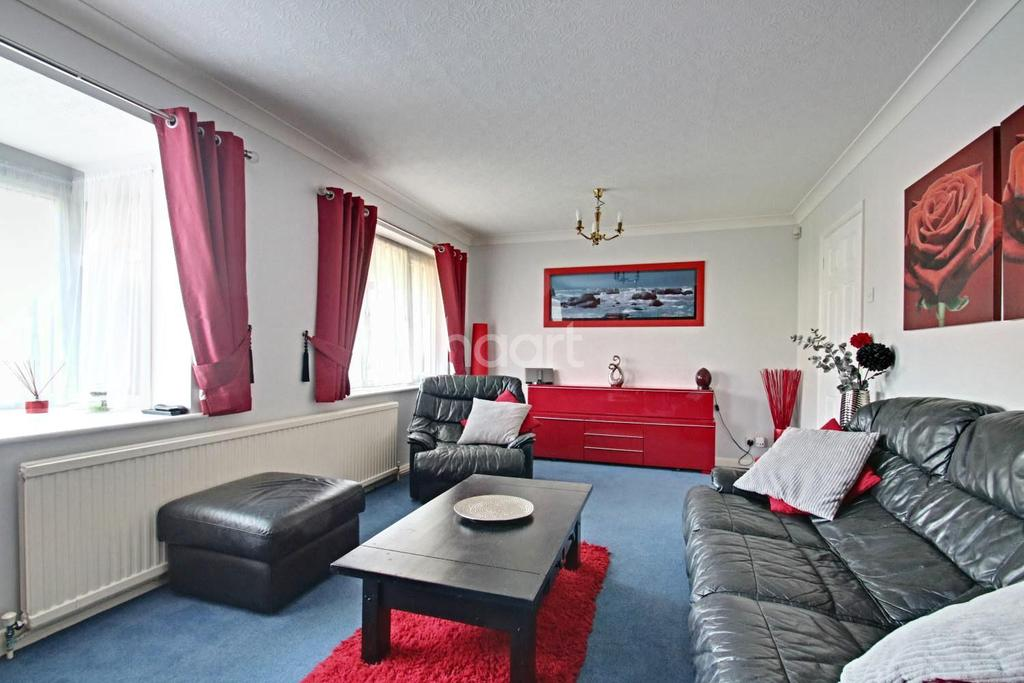4 Bedrooms Detached House for sale in Wymington Road, Rushden