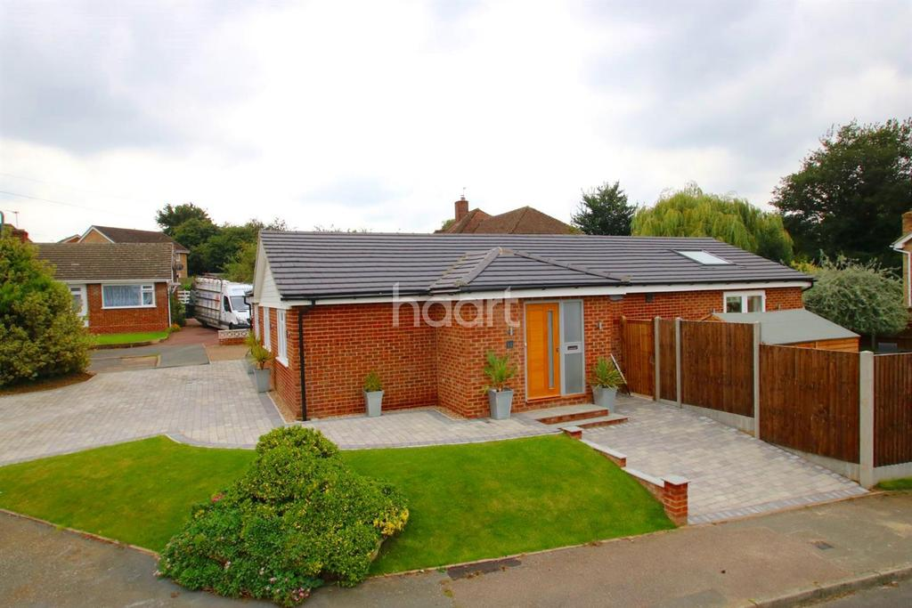 4 Bedrooms Bungalow for sale in Broadfield Road, Loose, ME15