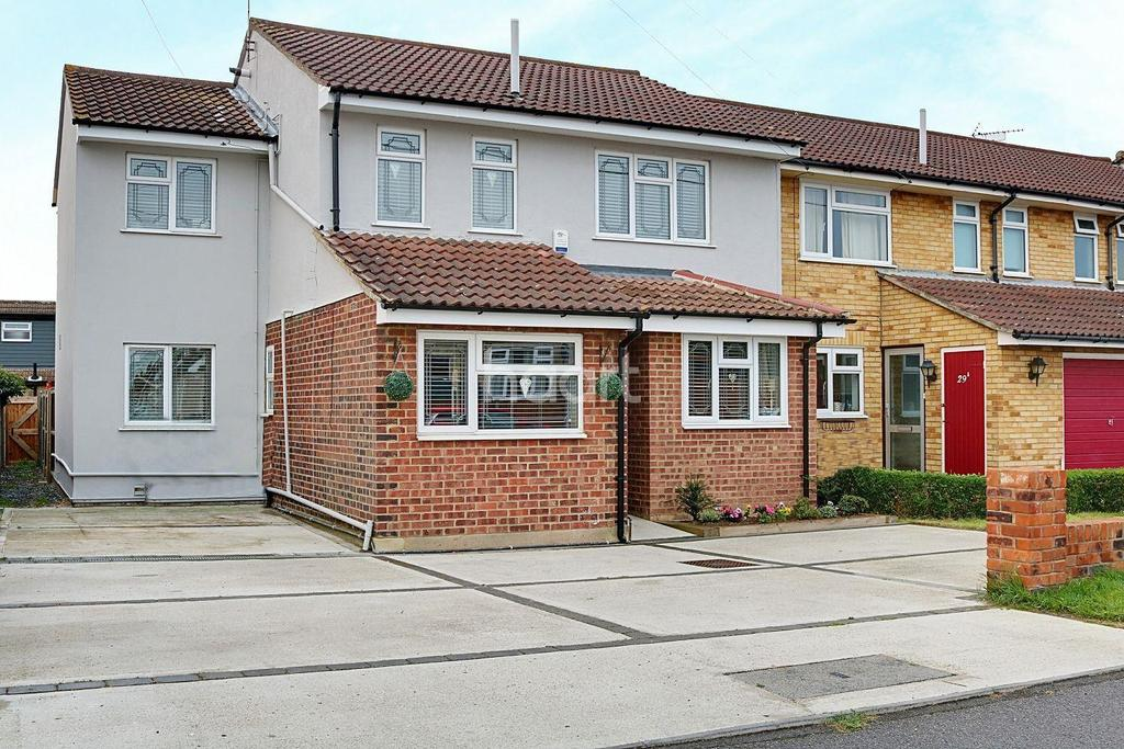5 Bedrooms Semi Detached House for sale in Rochford