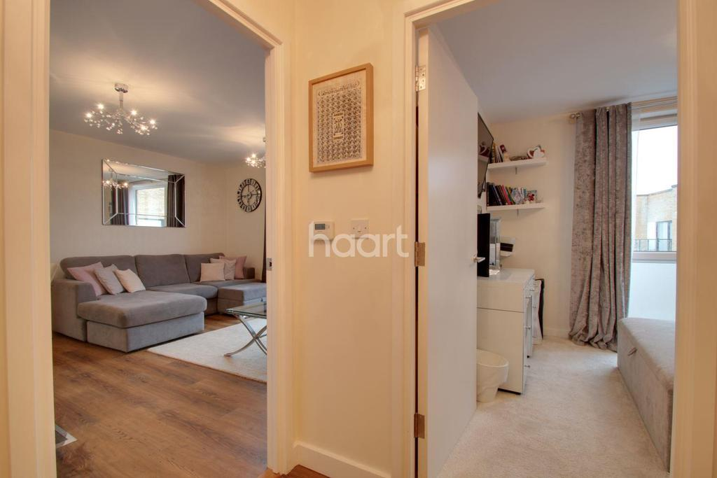 1 Bedroom Flat for sale in Downey House, Harold Wood