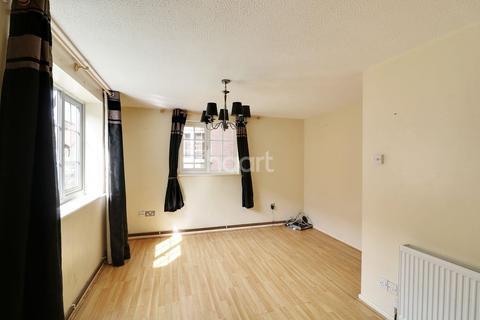 2 bedroom flat for sale - Countess Road, Northampton