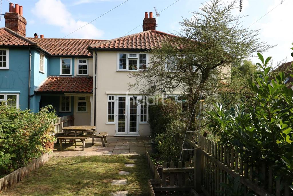 3 Bedrooms Cottage House for sale in Sutton Road