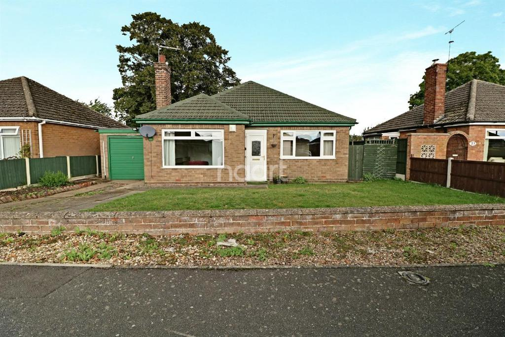 3 Bedrooms Bungalow for sale in Robertson Road, North Hykeham
