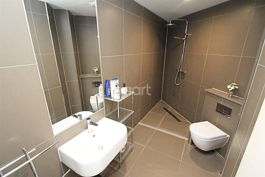 2 Bedrooms Flat for sale in Nottingham One Tower, 156 Canal Street, Nottingham
