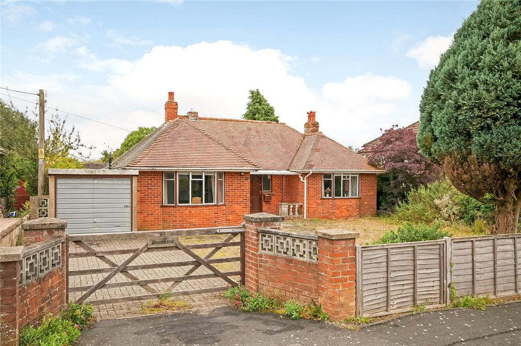 2 Bedrooms Detached Bungalow for sale in Compton Way, Winchester, Hampshire, SO22