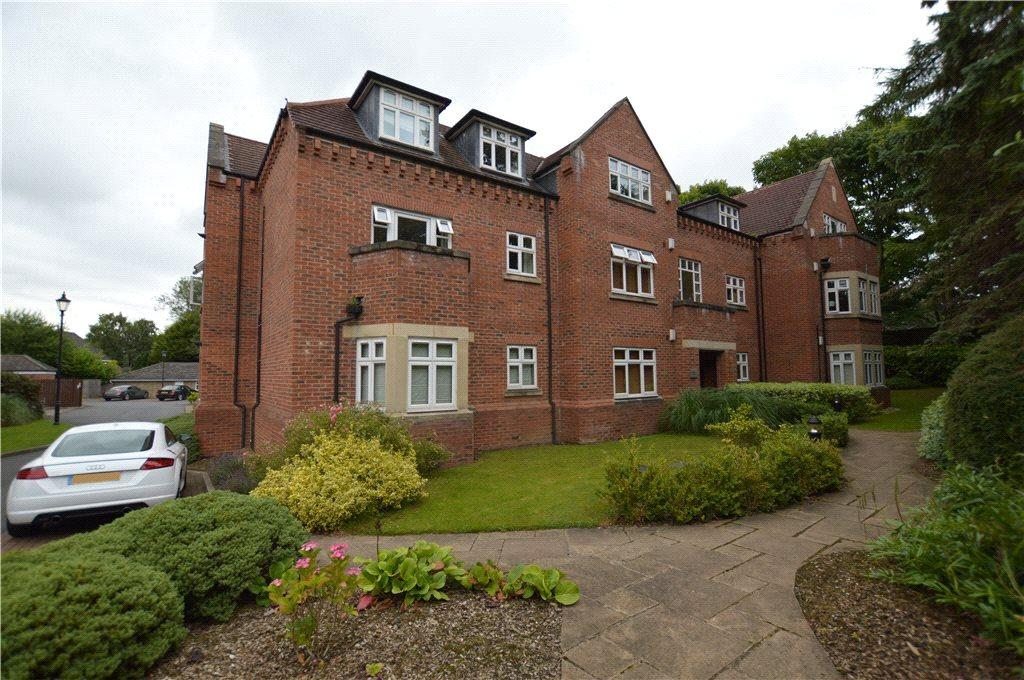 2 Bedrooms Apartment Flat for sale in Wood Moor Court, Sandmoor Avenue, Leeds, West Yorkshire