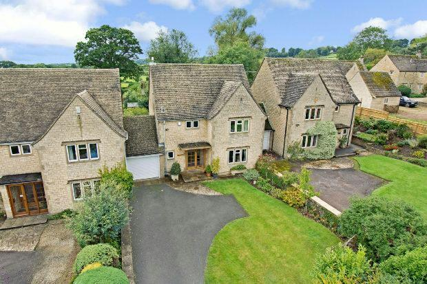 3 Bedrooms Detached House for sale in Bourton On The Hill, Moreton-in-marsh