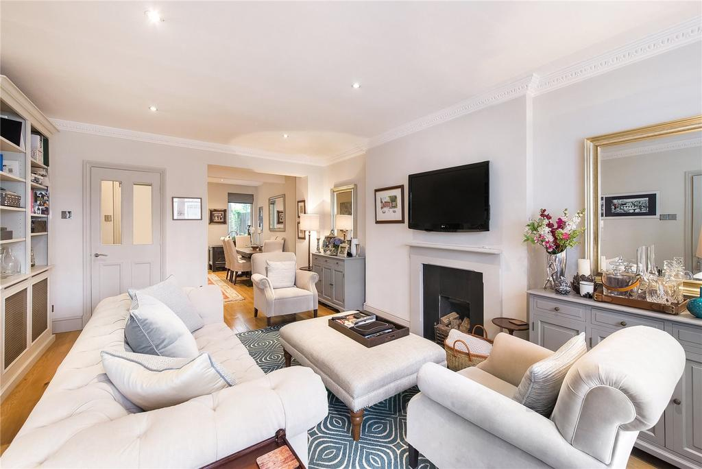 2 Bedrooms Flat for sale in Earl's Court Square, London