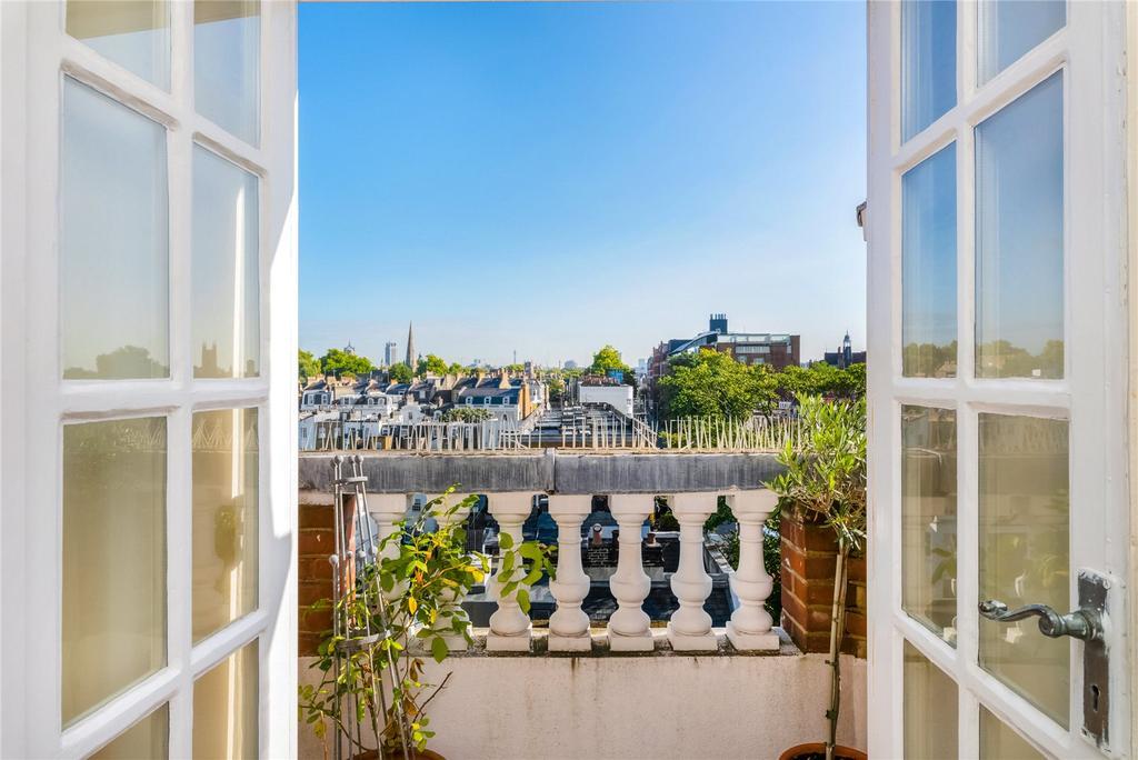 3 Bedrooms Flat for sale in Cranley Gardens, South Kensington, London
