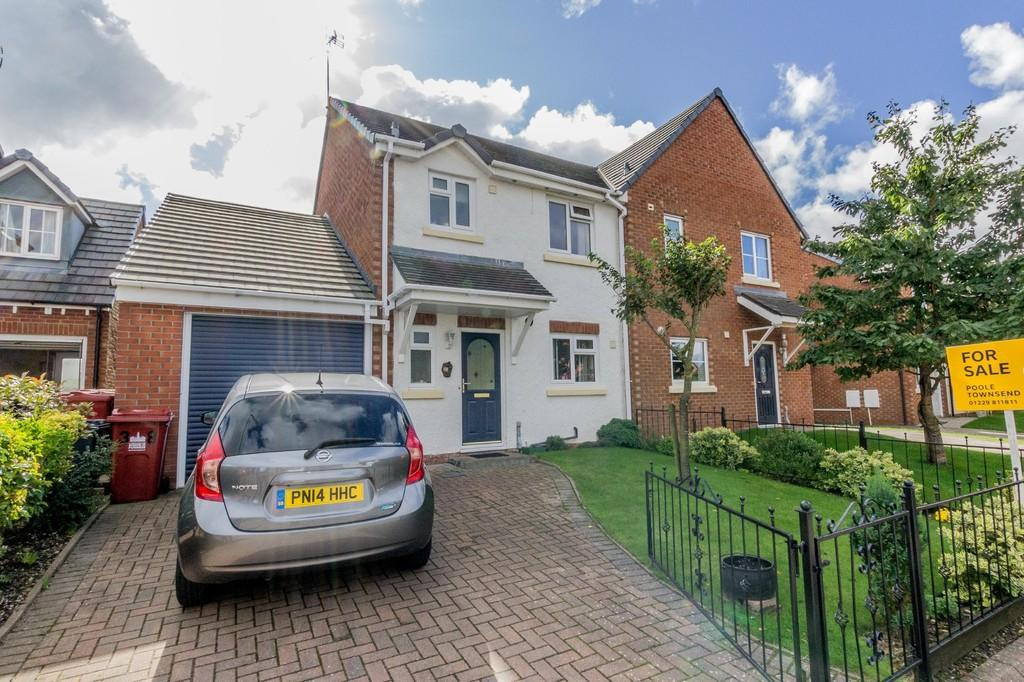 3 Bedrooms Semi Detached House for sale in Dowie Close, Barrow-In-Furness