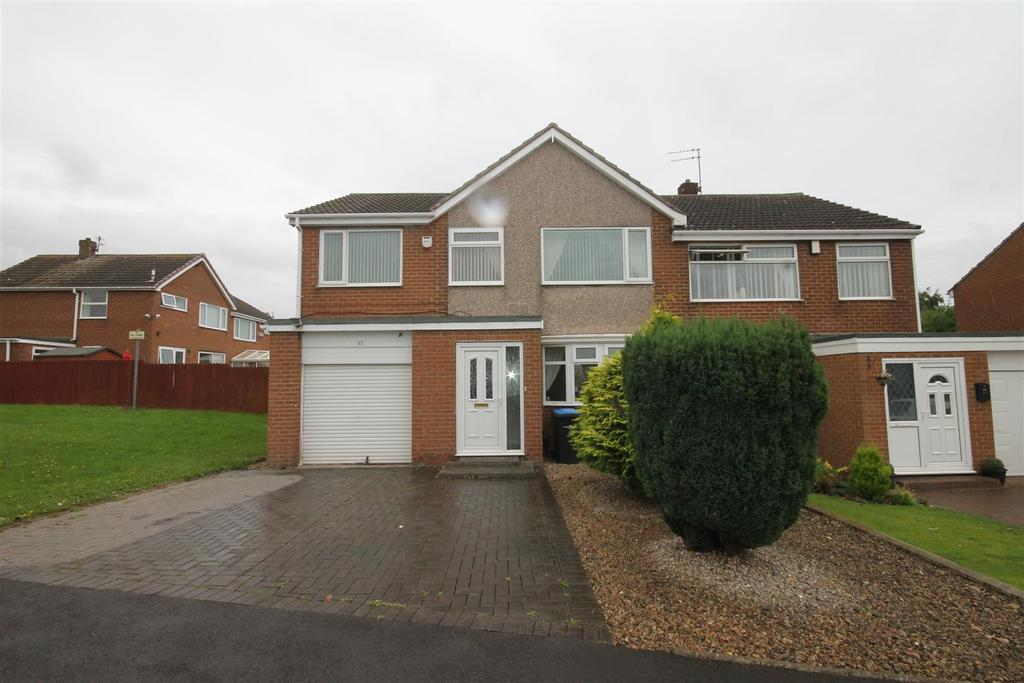 5 Bedrooms Semi Detached House for sale in Hemlington, Middlesbrough