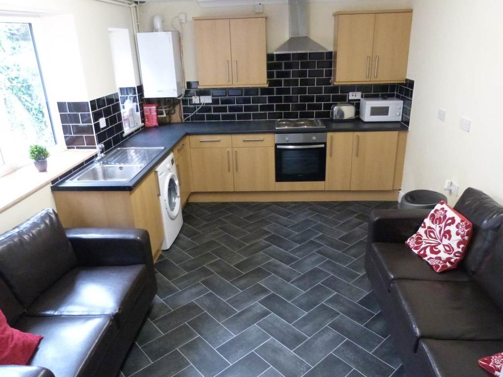 6 Bedrooms House Share for rent in Stanley Street, Ormskirk,