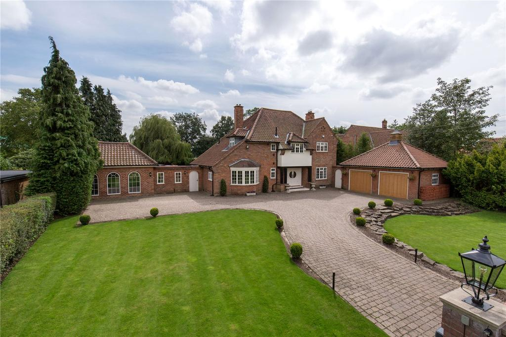 5 Bedrooms Detached House for sale in Naburn Lane, Fulford, York, YO19