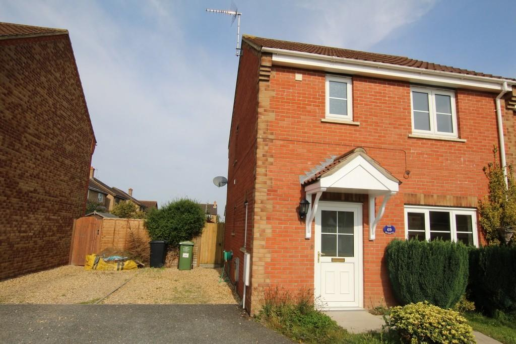 3 Bedrooms Semi Detached House for sale in The Russets, Upwell