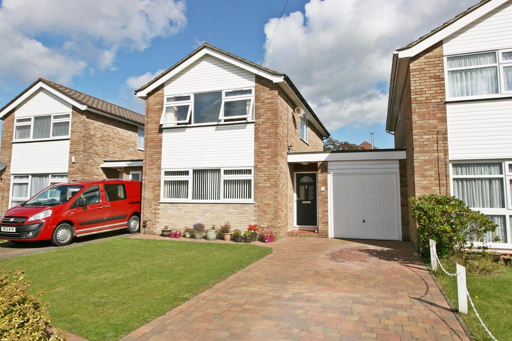 3 Bedrooms Detached House for sale in Flowers Close, Hamble, Soton, SO31 4LU