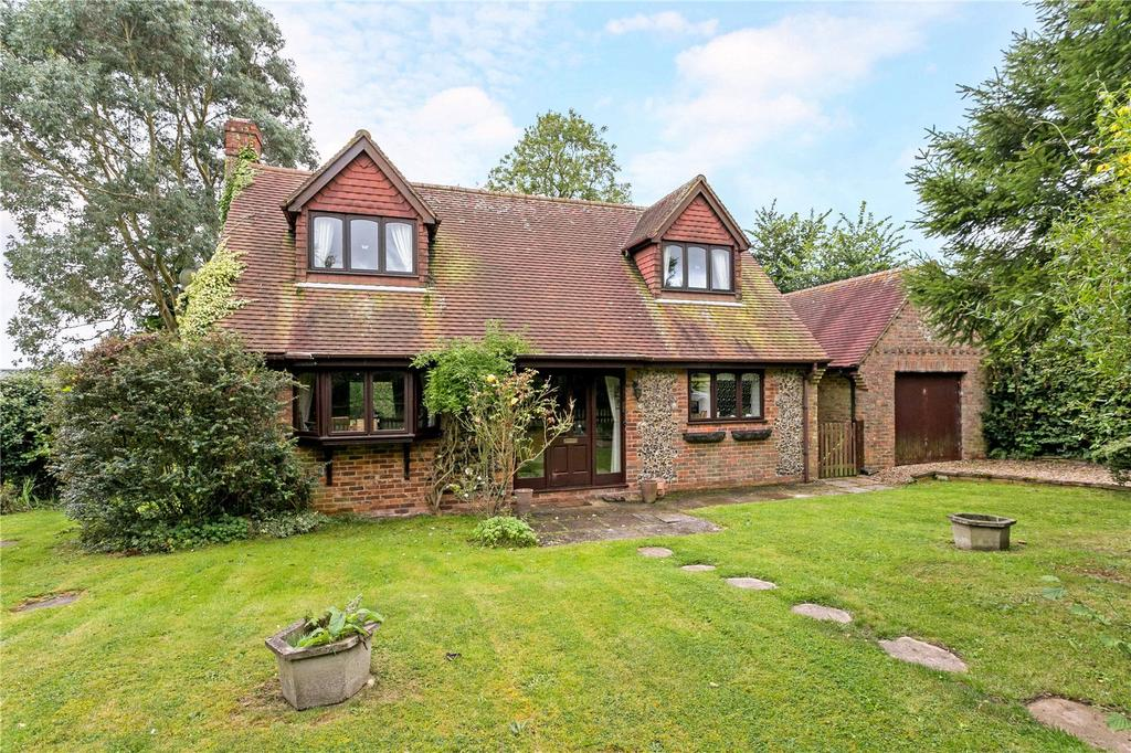 3 Bedrooms Detached House for sale in Green End Road, Radnage, Buckinghamshire, HP14