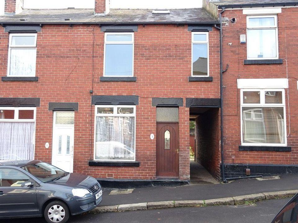 4 Bedrooms Terraced House for sale in 3 Cartmell Road, Woodseats, Sheffield S8