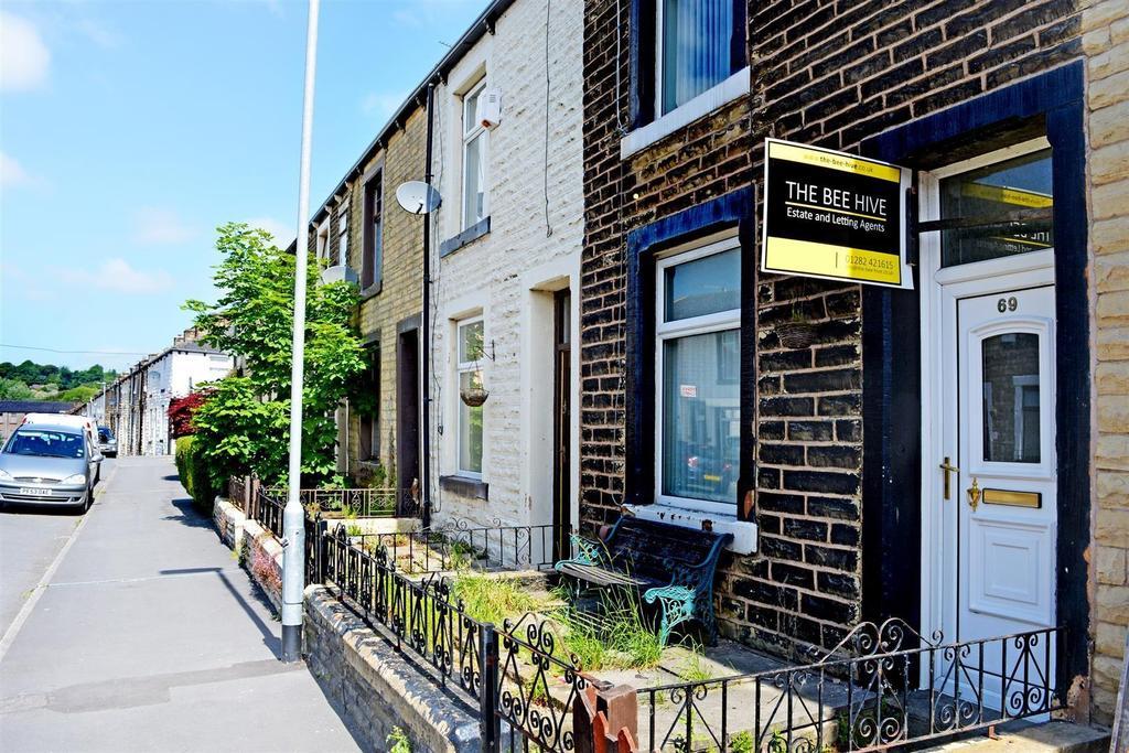 3 Bedrooms Terraced House for sale in Stockbridge Road, Burnley