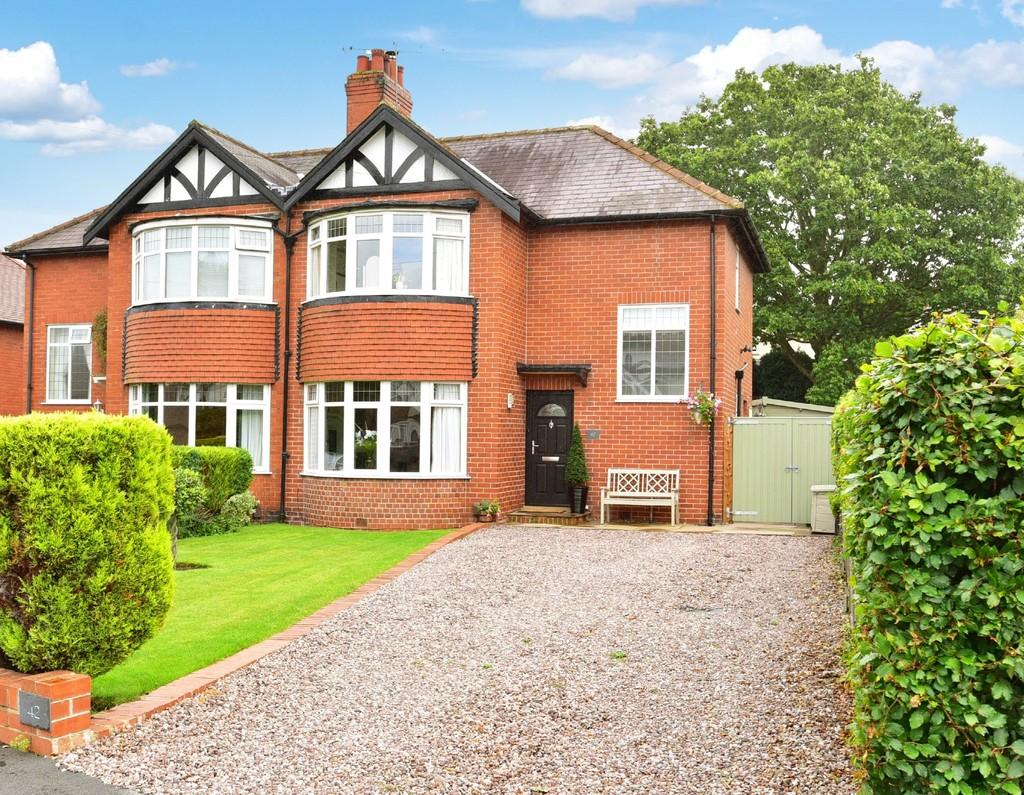 3 Bedrooms Semi Detached House for sale in Woodlands Avenue, Harrogate