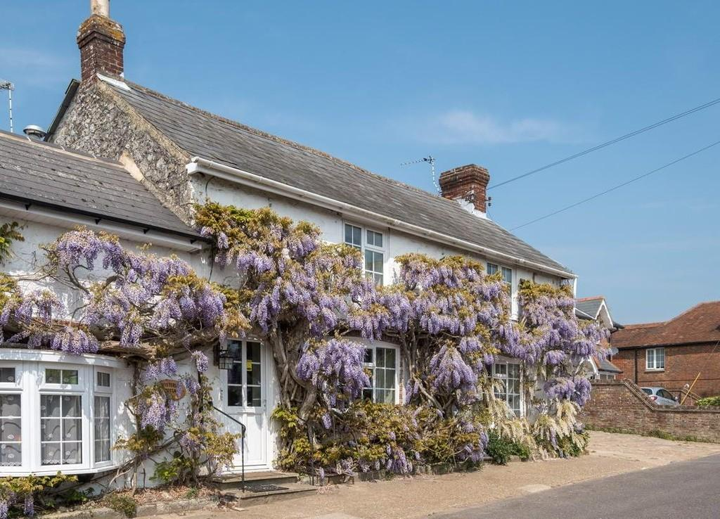 4 Bedrooms Cottage House for sale in Newchurch, Isle of Wight